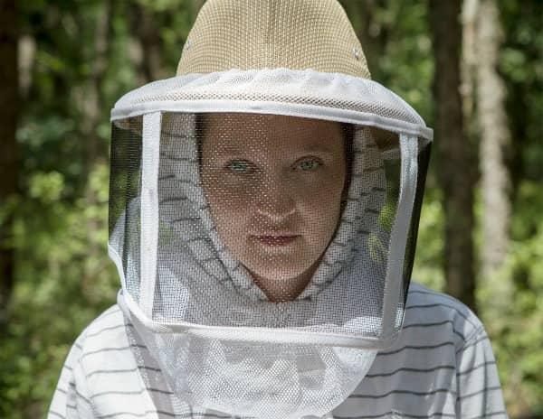 Queen_Bee_Fibers_1