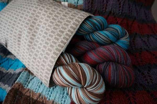 IU bag with yarn 2