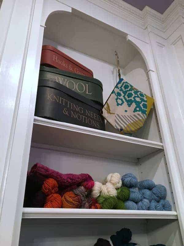 Knothouse shelves