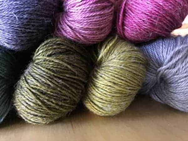 Yarn: Linum, a fingering-weight blend of 50% baby alpaca, 25% silk and 25% linen